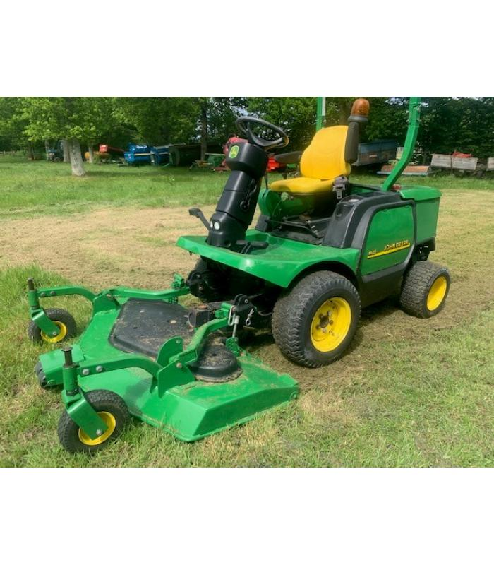 John Deere 1445 Out Front Mower